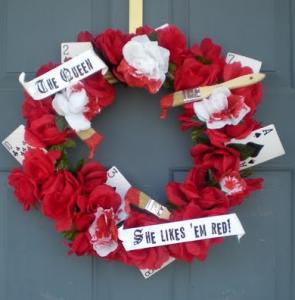 alice-wonderland-red-rose-wreath-diy