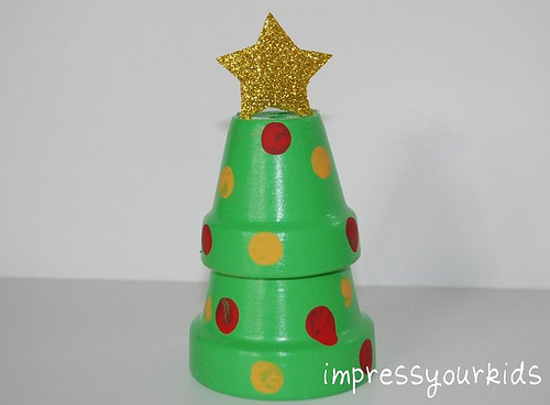 Mini clay pot christmas trees for Miniature christmas trees for crafts
