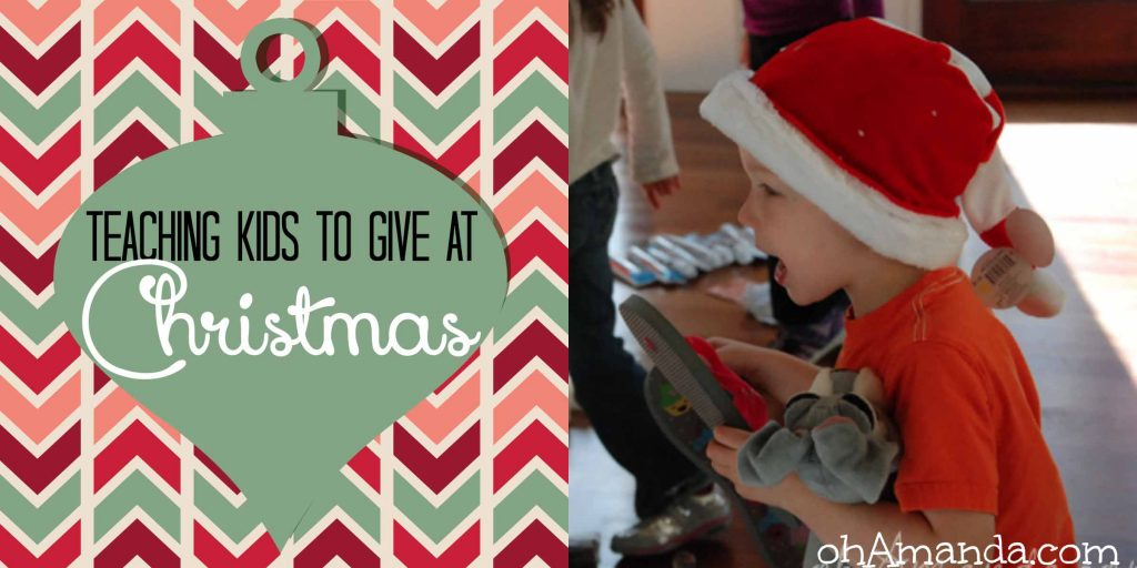 Great ideas for teaching (& helping) kids to GIVE at Christmas! // ohAmanda.com