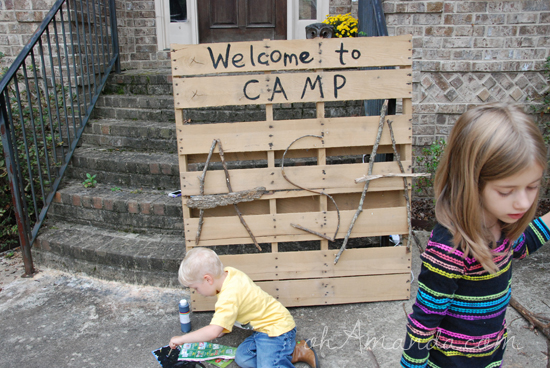 Use a pallet to make a birthday sign for a camping party
