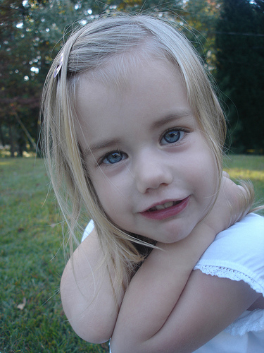 look at her eyes!