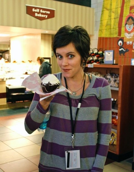disney contemporary resort cupcake