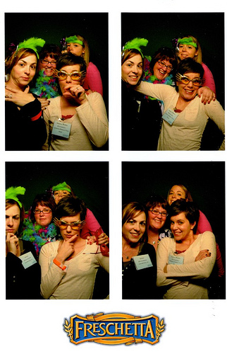 #sisterchicks ROCK a photobooth at #blissdom