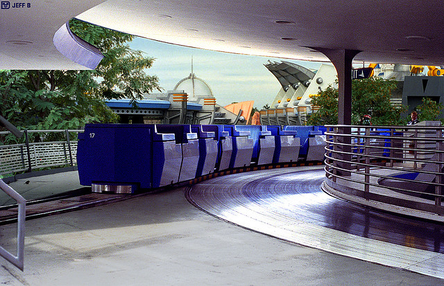 PeopleMover by Jeff_B on flickr