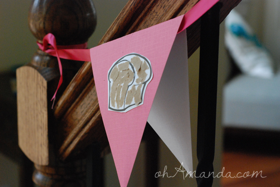 Easy tutorial for making bunting from scrapbook paper // perfect for #senseoftheresurrection ohAmanda.com